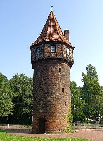 330px-Hannover_D%C3%B6hrener_Turm_2006-0