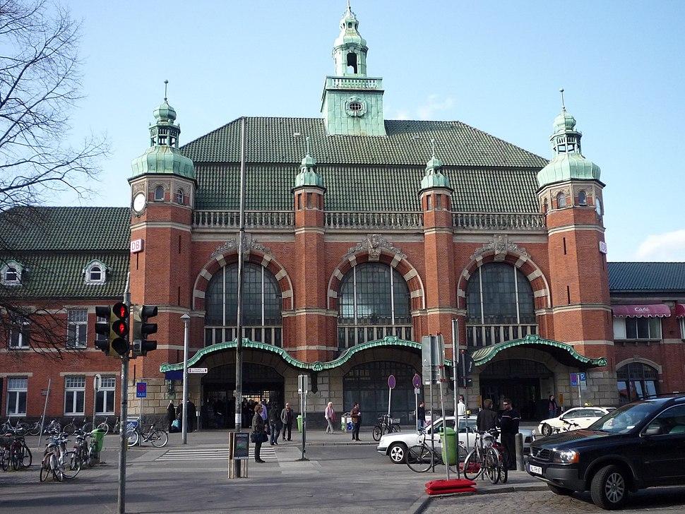 Hauptbahnhof L%C3%BCbeck 239-zh