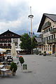 Hauptplatz St. Johann i.T. Maibaum.jpg