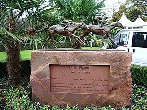 Lester Piggott - Haydock Park Racecourse, statue to Lester Piggott