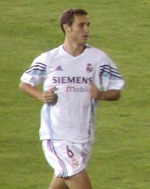 Iván Helguera - Helguera with Real Madrid in 2003