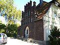 Herne-Wanne Lutherkirche Pfarrhaus rechts a.jpg