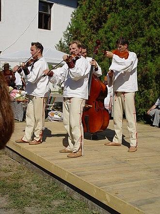 Opanak - Slovak musicians wearing krpce.