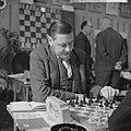 Hoogovenschaaktoernooi. Grootmeester Donner aan zet, Bestanddeelnr 914-6928.jpg