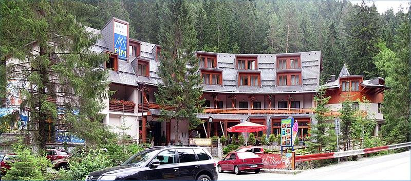File:Hotel Relax FIM - panoramio.jpg