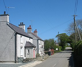 Houses on the east side of the railway bridge at Rhosgoch - geograph.org.uk - 1306964.jpg