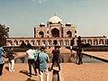 Humayun's Tomb on a bright day.jpg