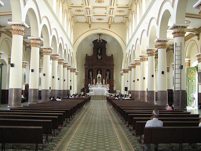 Iglesia de San Antonio-Nave Central -Barbosa.JPG