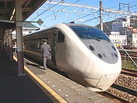 "JRW 681 Limited Express ""Hakutaka"" at Echigo-Uzawa 2009-10-25 (4042796742).jpg"