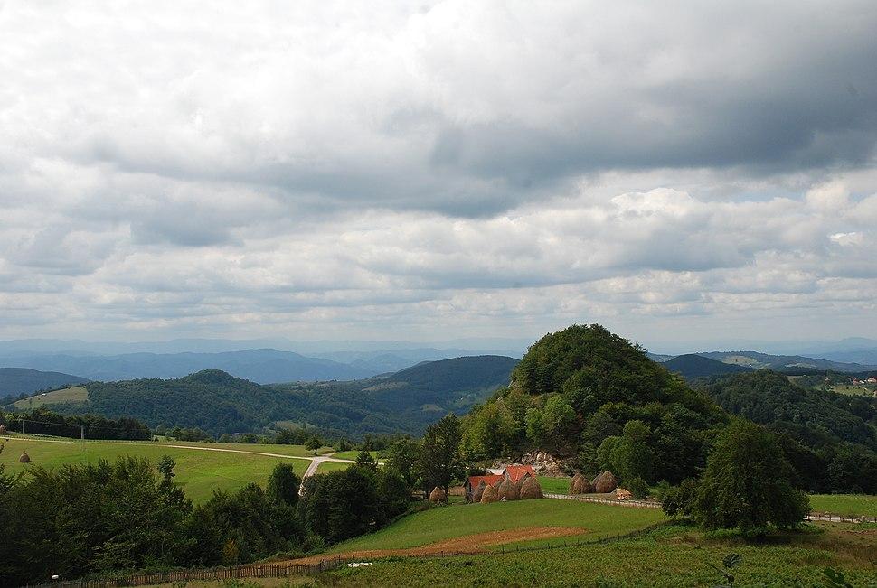 Jablanik - zapadna Srbija - mesto Debelo brdo - Raskrsnica kod kruške - Put za Torničku Bobiju i selo Gornje Košlje 2