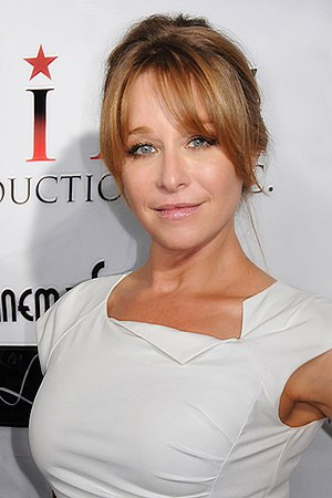 Jamie Luner - Luner in Los Angeles, California (August 27, 2014)