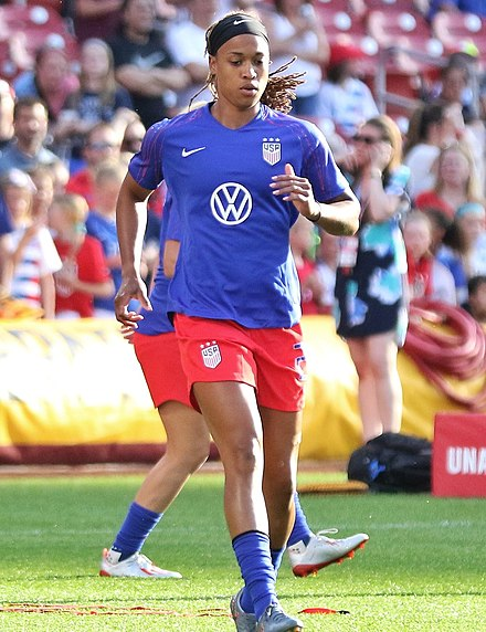 McDonald warms up before the USWNT friendly against New Zealand on May 16, 2019, in St. Louis. Jessica McDonald May19.jpg