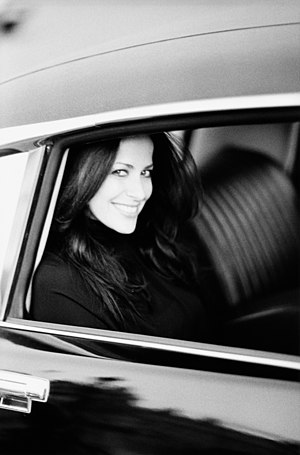 Jill Stuart - Image: Jill Stuart car portrait reduced