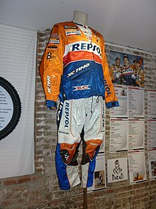 Description de l'image Jordi Viladoms racing equipment 2009.JPG.