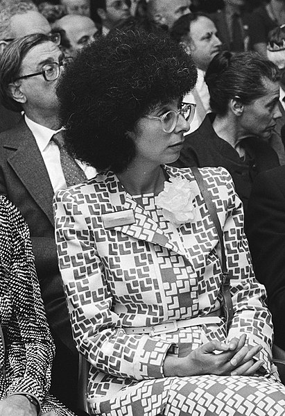 File:Judith Belinfante at a symposium in Amsterdam in 1980.jpg