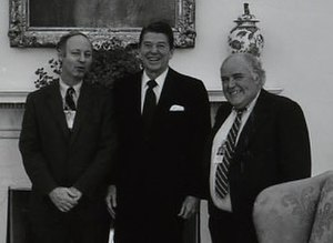 Jules Witcover - Witcover, Ronald Reagan and Jack Germond in Oval Office in 1981