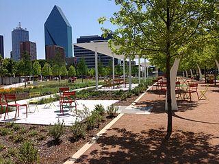park on freeway lid in Dallas, Texas