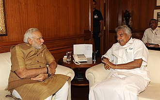 Oommen Chandy - Kerala CM Oommen Chandy with Prime Minister Narendra Modi