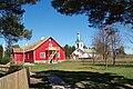 Kihnu muuseum ja Kihnu kirik.JPG