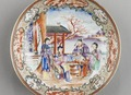 Kinesiskt fat i porslin, exportgods 1740-1760, Qianlong - Hallwylska museet - 100904.tif