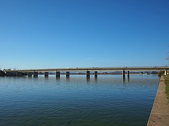 Kings Avenue, Canberra - Kings Avenue Bridge across Lake Burley Griffin