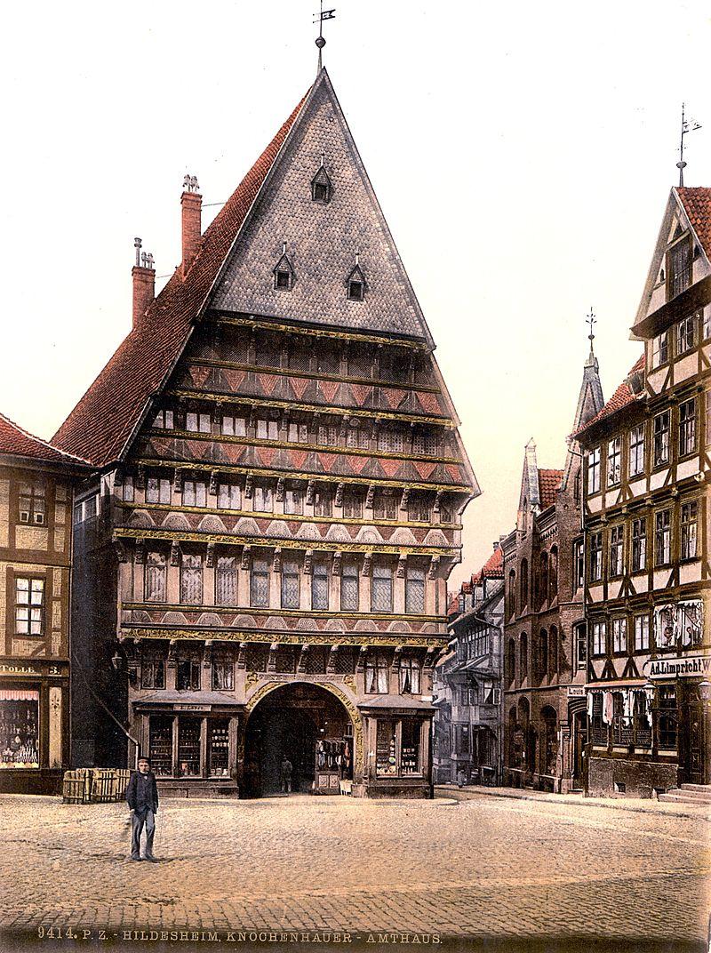 800px-Knochenhaueramtshaus_1900.jpg