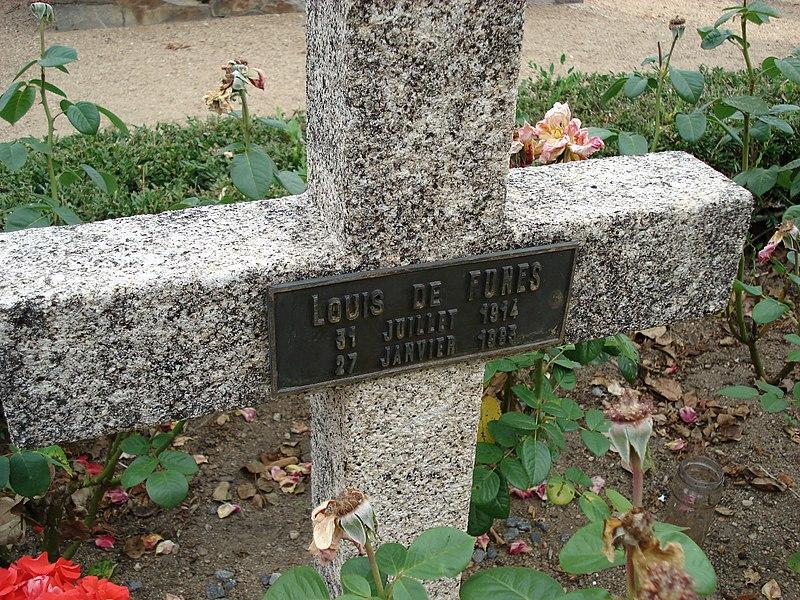 Grabkreuz von Louis de Funès in Le Cellier (Zustand vor 2015)
