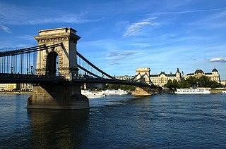 Chain bridge type of suspension bridge