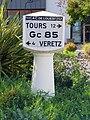 L2893 - Borne michelin - Montlouis-sur-Loire.jpg