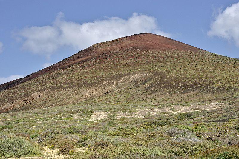 File:La Graciosa Montaña Bermeja.jpg