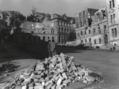 La casa de Sándor Márai bombardejada (Budapest, 1945).png