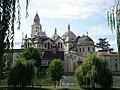 La cathédrale Saint-Front vue depuis les berges de l'Isle - panoramio.jpg