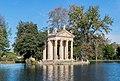 Laghetto and Tempio di Esculapio in Villa Borghese 02.jpg