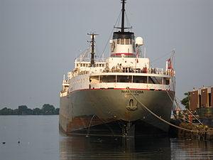 Lake freighter Manitoba, about 7-30am, 2012 07 06 -l.jpg