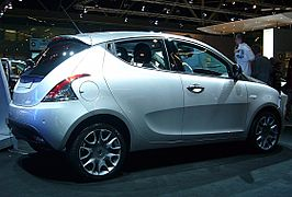 Lancia Ypsilon (side).jpg