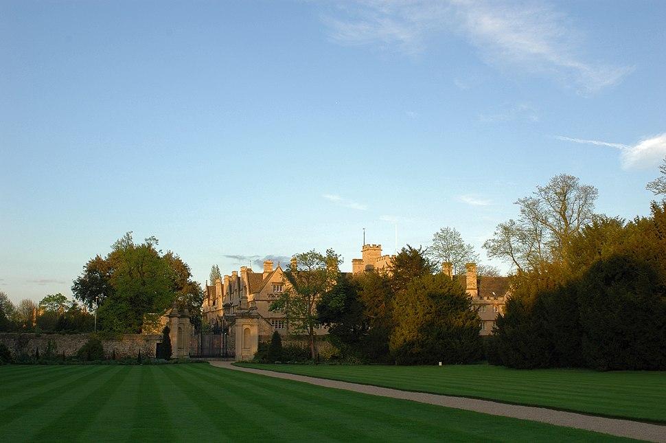 Lawn - trinity college Oxford