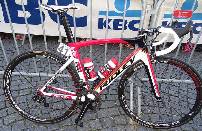 Leuven - Brabantse Pijl, 15 april 2015, vertrek (B213).JPG