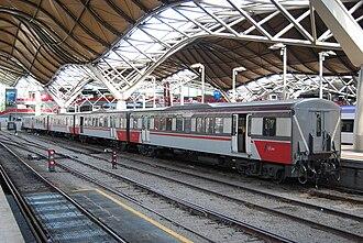 V/Line H type carriage - Refurbished H Set at Southern Cross station in November 2010