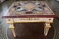 Loggetta del tempo, tavolo con piano intarsiato in pietre dure e disegni raffaelleschi 00.JPG