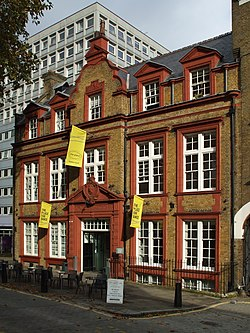 London - Middlesex (Artists') Rifle Volunteers' drill hall (former), Duke's Road, Holborn 2014-10-30 (15531820368).jpg