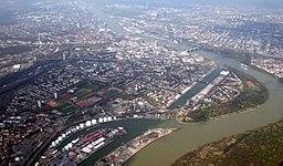Blick auf Ludwigshafen am Rhein (Stadt) aus einem Segelflugzeug