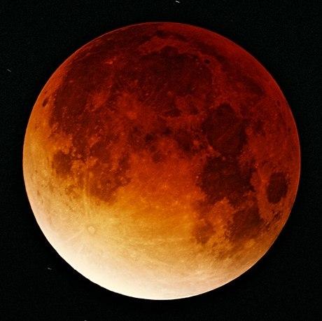 Lunar-eclipse-09-11-2003-cropped.jpeg