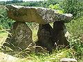 Luriecq (Loire, Fr), le dolmen.JPG