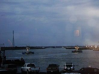 Lynchburg, Texas - Ferry traffic at Lynchburg