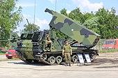 M270 MLRS Ps 529-3 Lippujuhlanpäivä 1.JPG