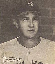 Marv Breuer 1940 Play Ball card.jpeg