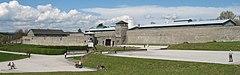 Mauthausenin keskitysleiri, näkymä ulkoa (rajattu) .jpg
