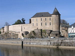 Mayenne, Mayenne - The Château de Mayenne, and the Mayenne river