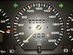 Metric speedometer from a 1992 Euro-spec Passat B3.jpg