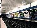 Metro de Paris - Ligne 9 - Alma - Marceau 01.jpg